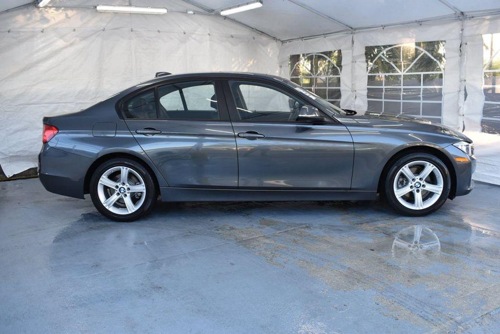 2015 BMW 3 Series 320i - 18387247 - 2