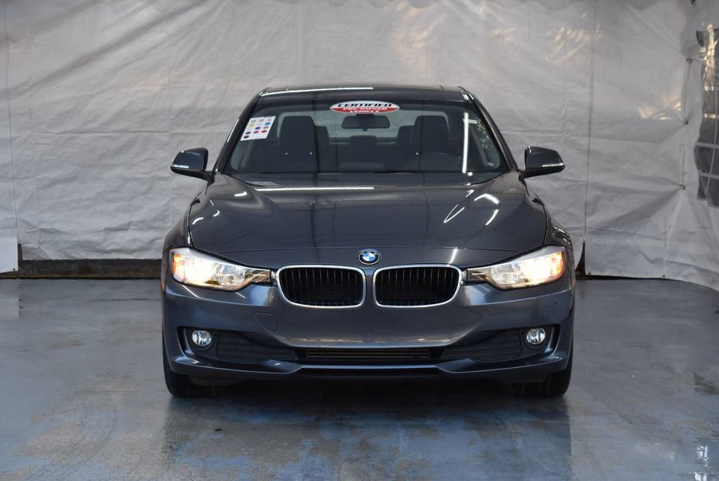2015 BMW 3 Series 320i - 18387247 - 3
