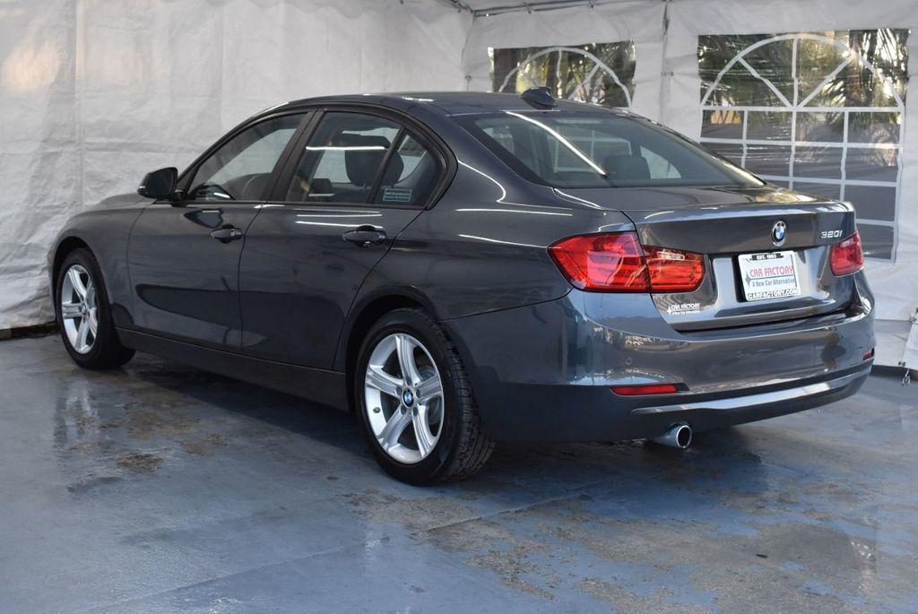 2015 BMW 3 Series 320i - 18387247 - 5