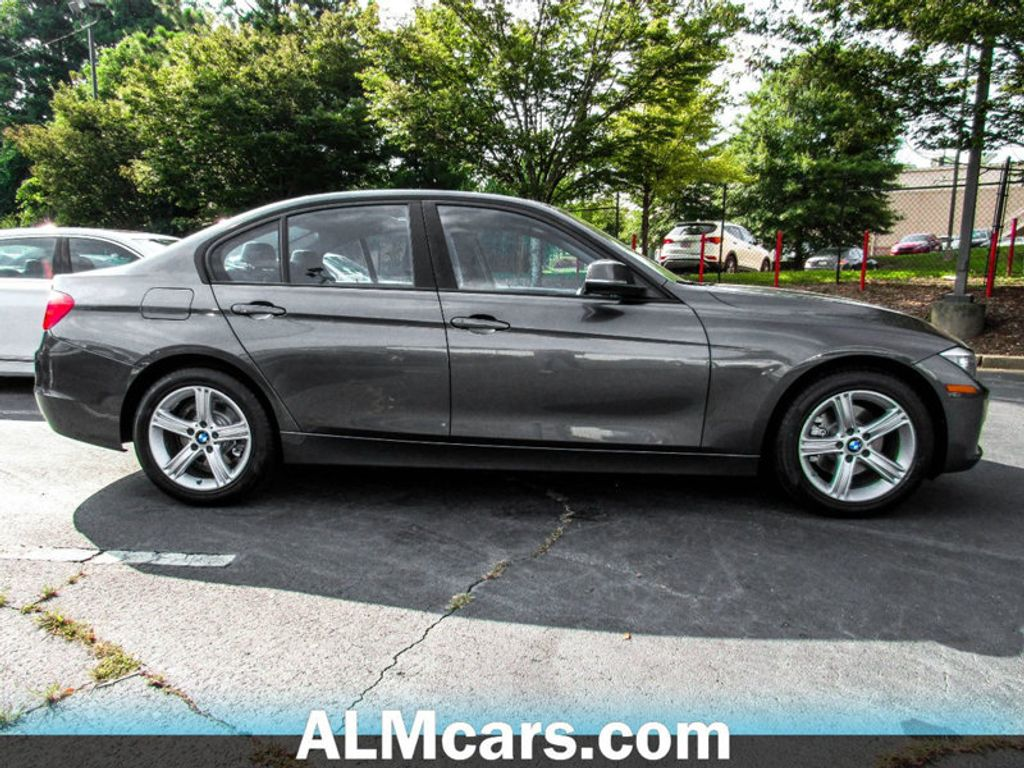 2015 BMW 3 Series 320i xDrive - 17972887 - 4