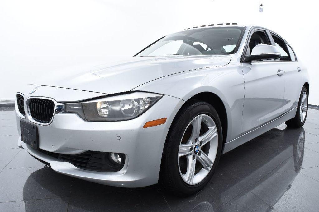 2015 BMW 3 Series 320i xDrive - 17910535 - 0