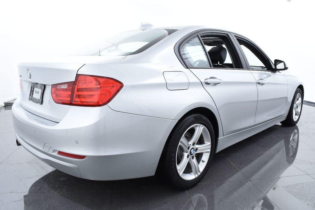 2015 BMW 3 Series 320i xDrive - 17910535 - 9
