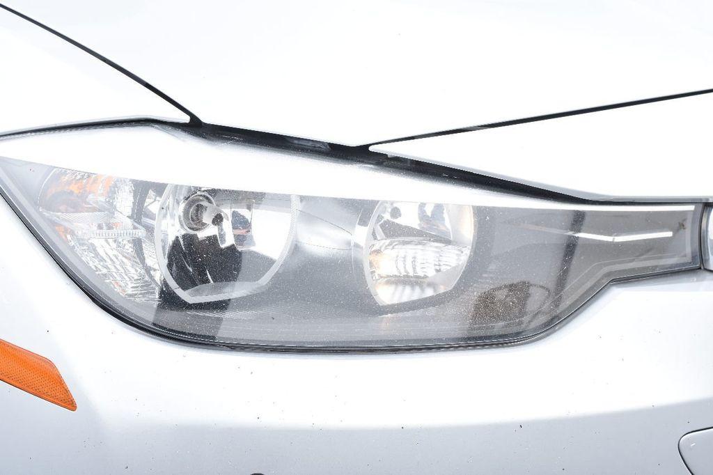 2015 BMW 3 Series 320i xDrive - 17910535 - 12