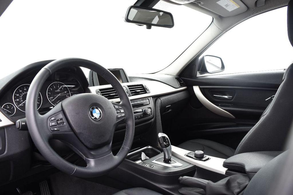 2015 BMW 3 Series 320i xDrive - 17910535 - 21
