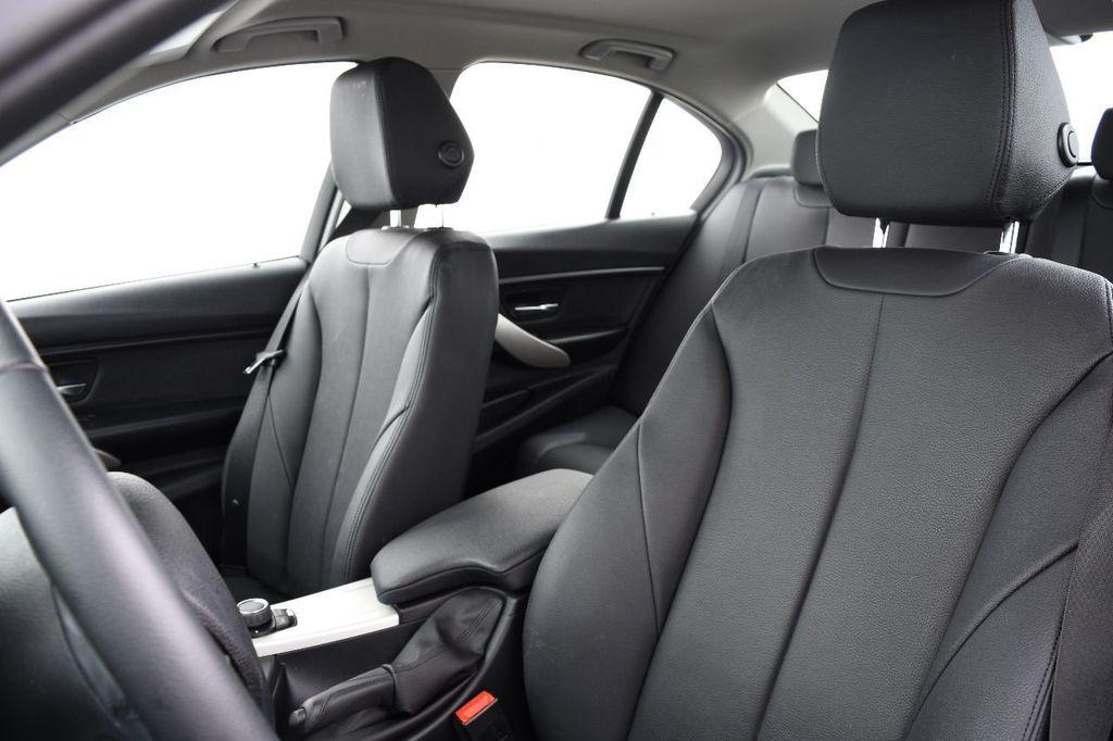 2015 BMW 3 Series 320i xDrive - 17910535 - 23
