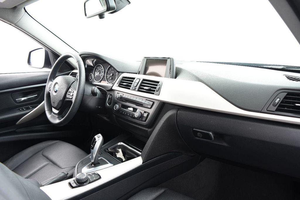 2015 BMW 3 Series 320i xDrive - 17910535 - 24
