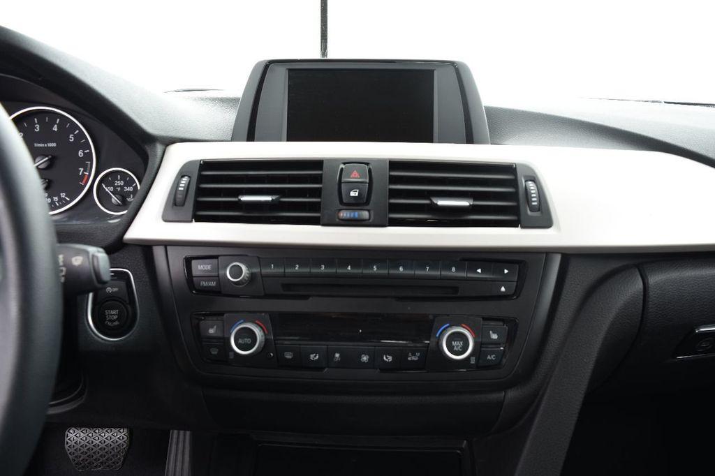 2015 BMW 3 Series 320i xDrive - 17910535 - 27