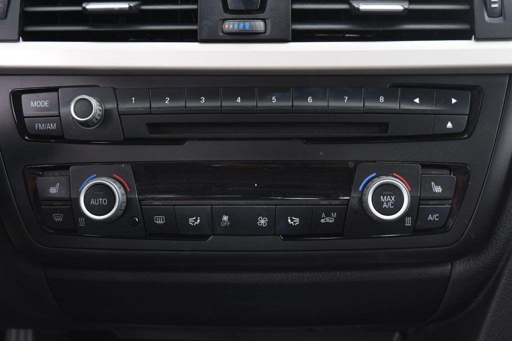 2015 BMW 3 Series 320i xDrive - 17910535 - 28