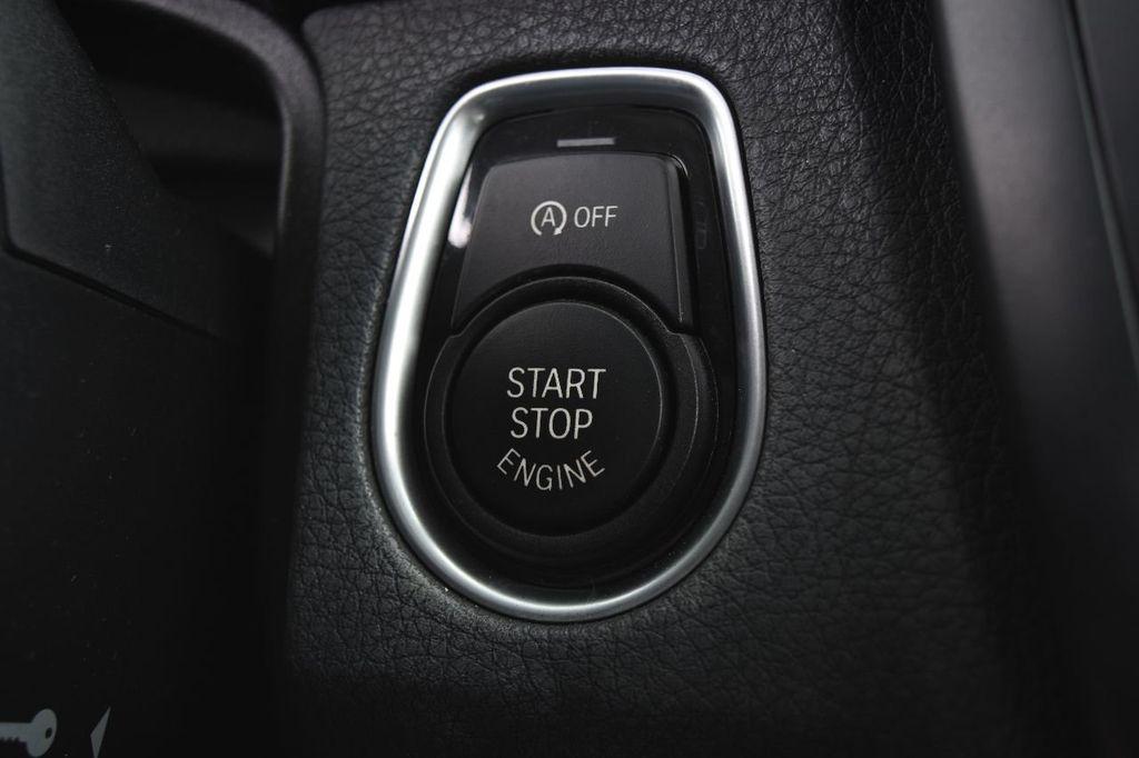 2015 BMW 3 Series 320i xDrive - 17910535 - 33