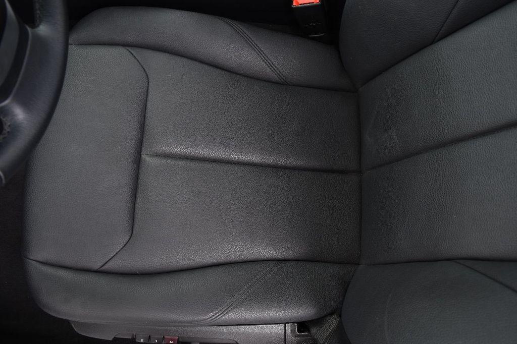 2015 BMW 3 Series 320i xDrive - 17910535 - 35