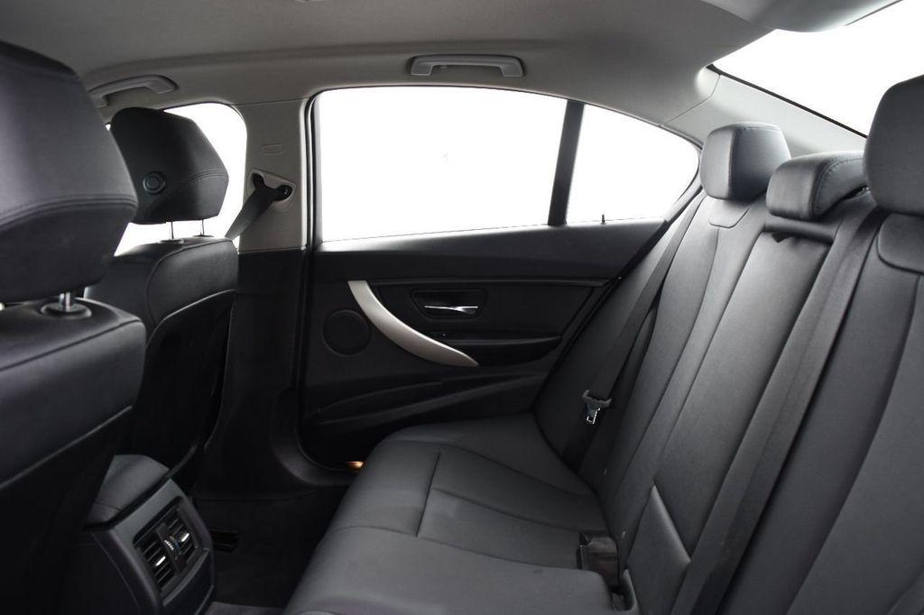 2015 BMW 3 Series 320i xDrive - 17910535 - 37