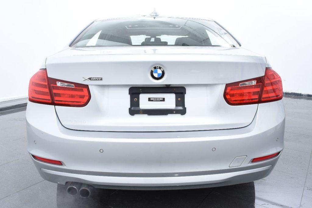 2015 BMW 3 Series 320i xDrive - 17910535 - 3