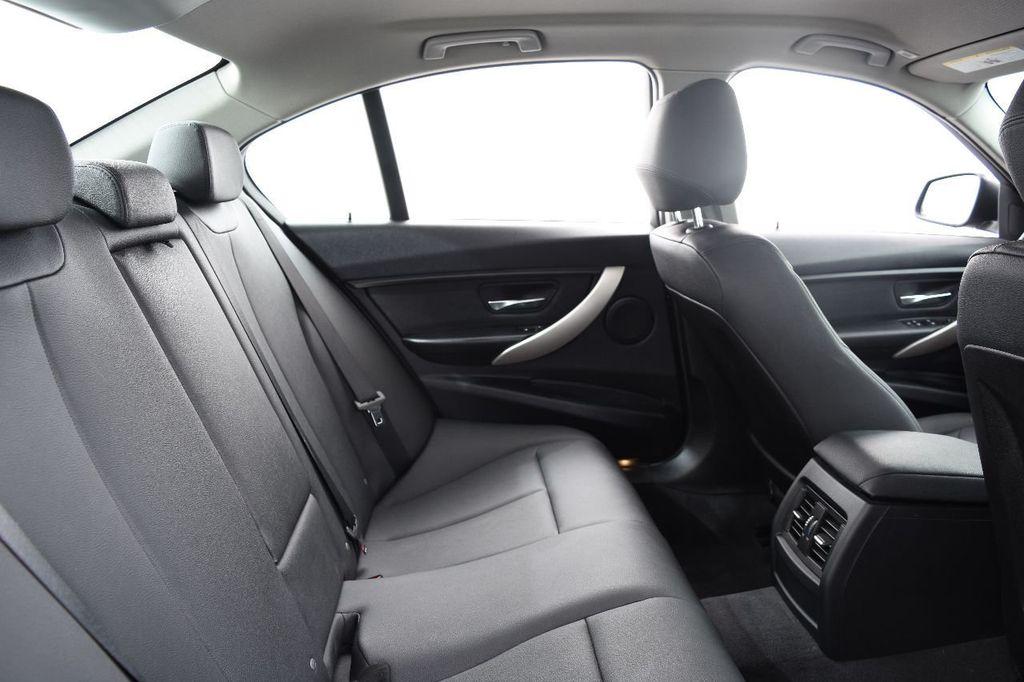 2015 BMW 3 Series 320i xDrive - 17910535 - 40