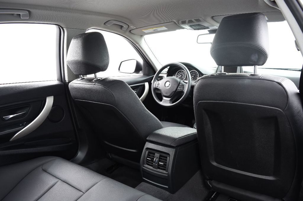 2015 BMW 3 Series 320i xDrive - 17910535 - 41