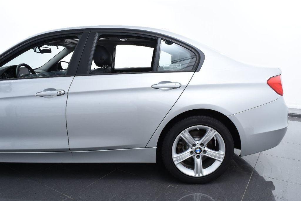2015 BMW 3 Series 320i xDrive - 17910535 - 6