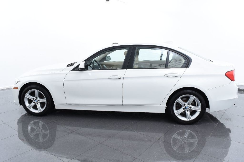 2015 BMW 3 Series 320i xDrive - 17910538 - 10