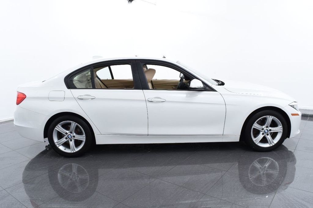 2015 BMW 3 Series 320i xDrive - 17910538 - 11