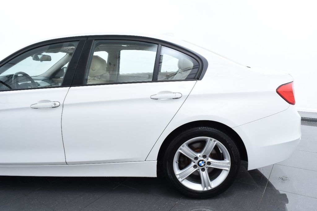 2015 BMW 3 Series 320i xDrive - 17910538 - 6