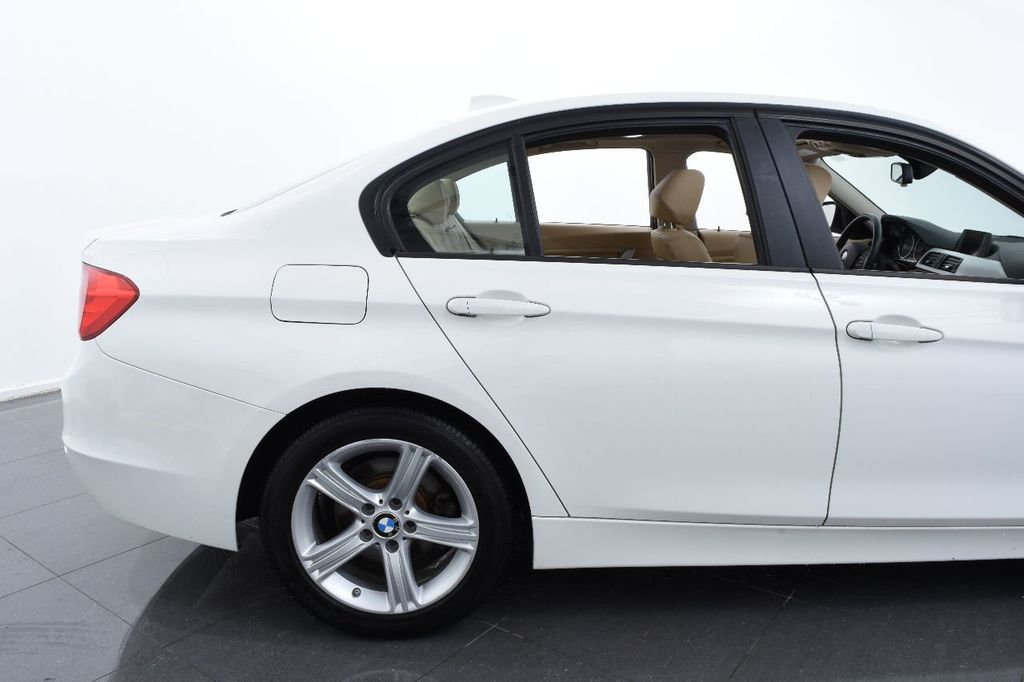 2015 BMW 3 Series 320i xDrive - 17910538 - 7
