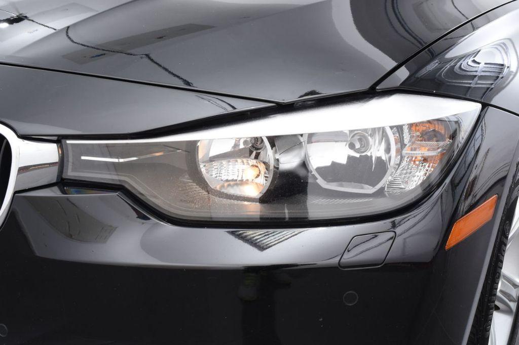 2015 BMW 3 Series 320i xDrive - 18313453 - 13