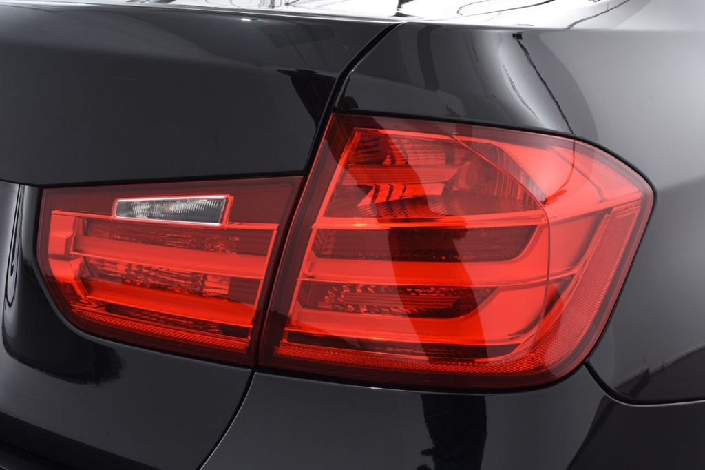 2015 BMW 3 Series 320i xDrive - 18313453 - 17