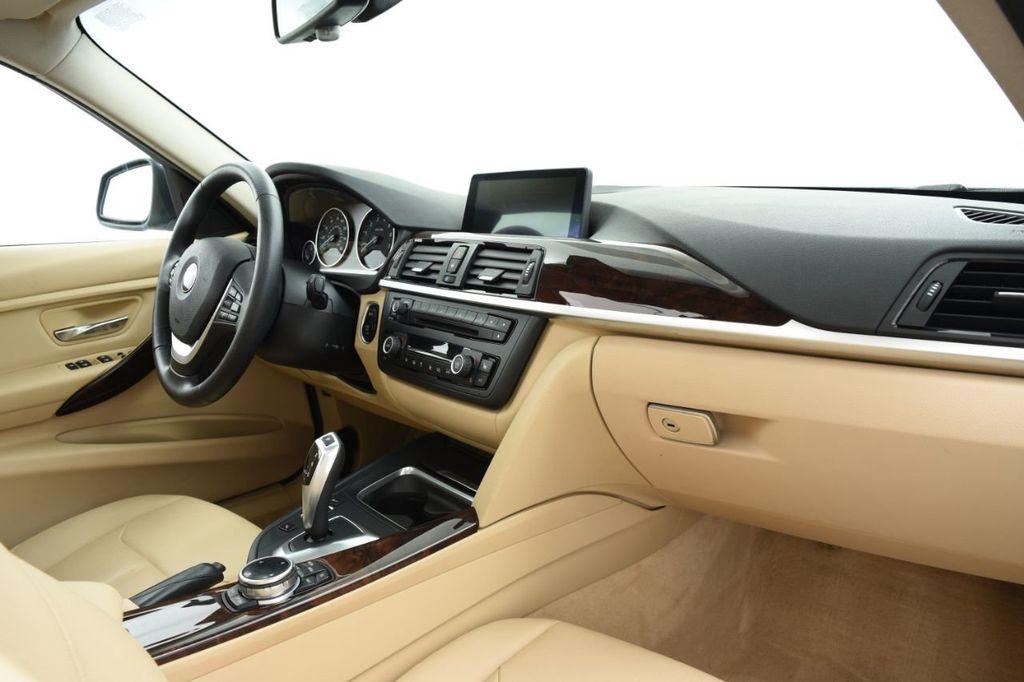 2015 BMW 3 Series 320i xDrive - 18313453 - 25