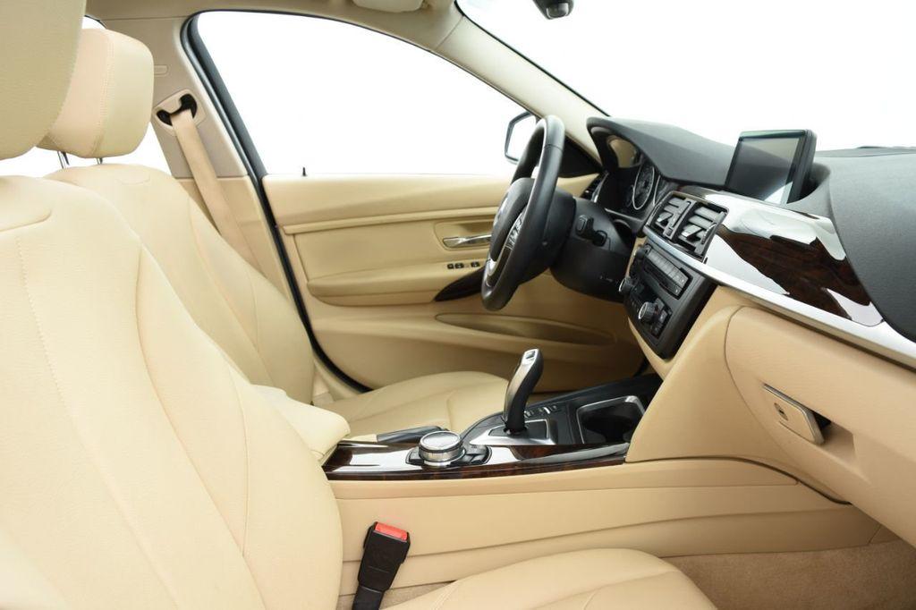 2015 BMW 3 Series 320i xDrive - 18313453 - 26