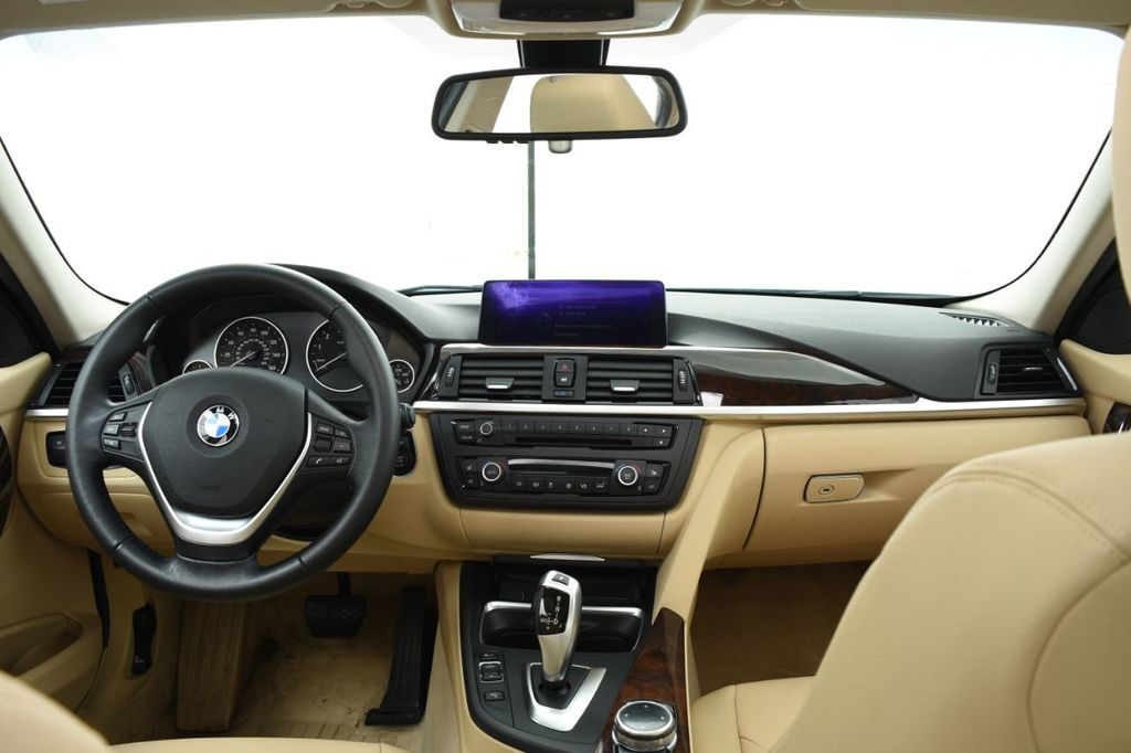 2015 BMW 3 Series 320i xDrive - 18313453 - 28