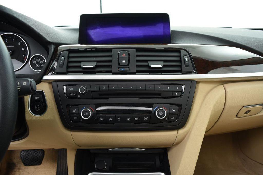 2015 BMW 3 Series 320i xDrive - 18313453 - 29