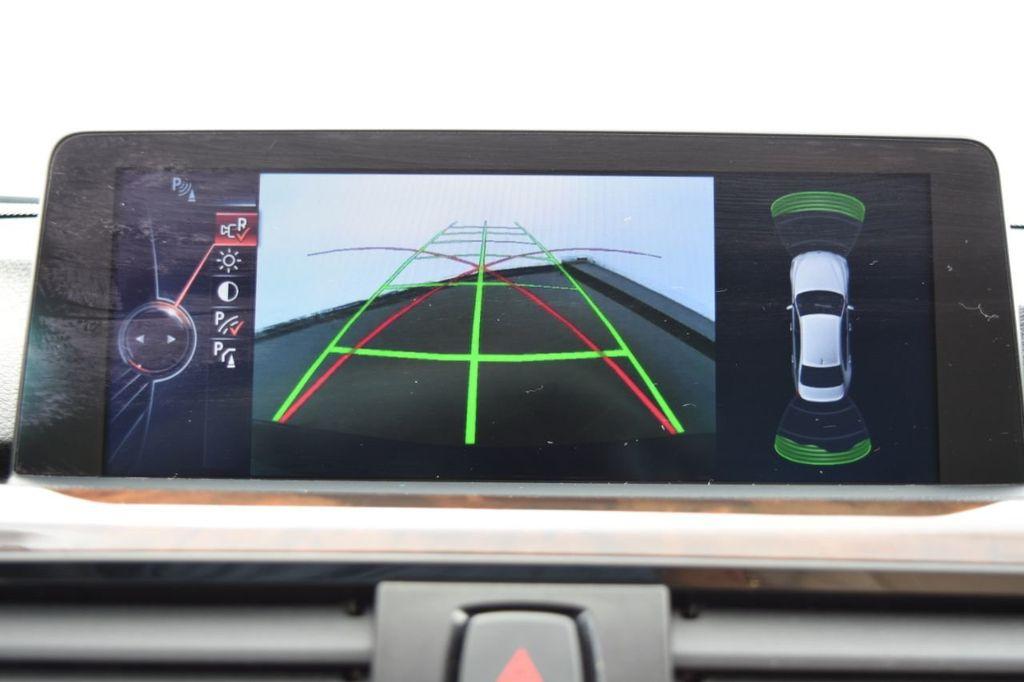 2015 BMW 3 Series 320i xDrive - 18313453 - 30