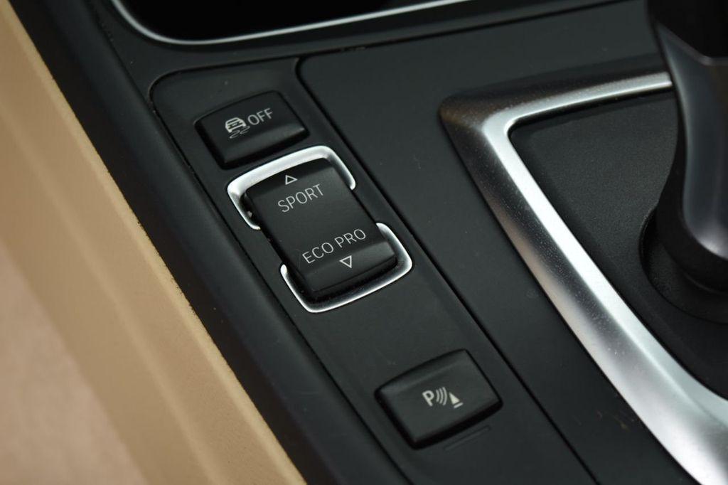 2015 BMW 3 Series 320i xDrive - 18313453 - 36