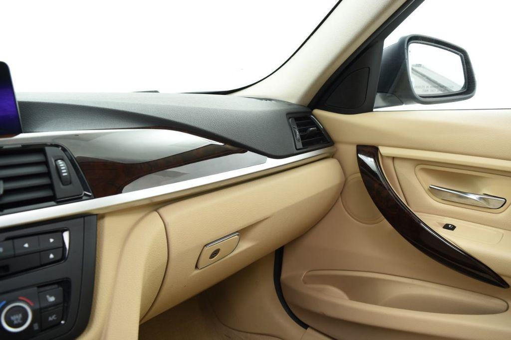 2015 BMW 3 Series 320i xDrive - 18313453 - 38