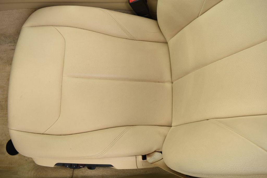 2015 BMW 3 Series 320i xDrive - 18313453 - 50