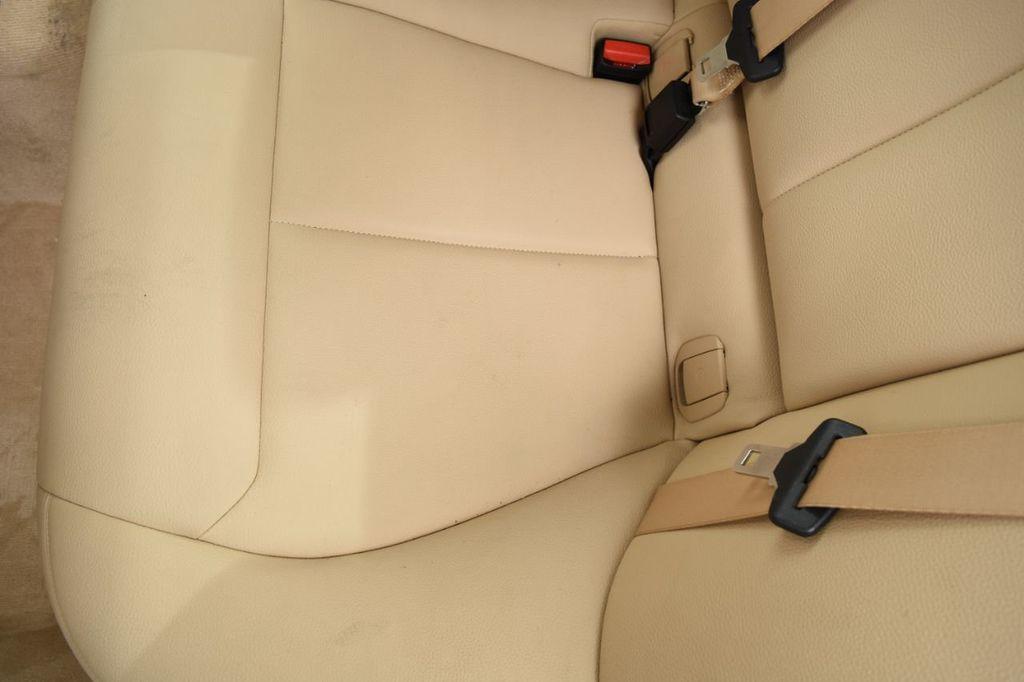 2015 BMW 3 Series 320i xDrive - 18313453 - 52