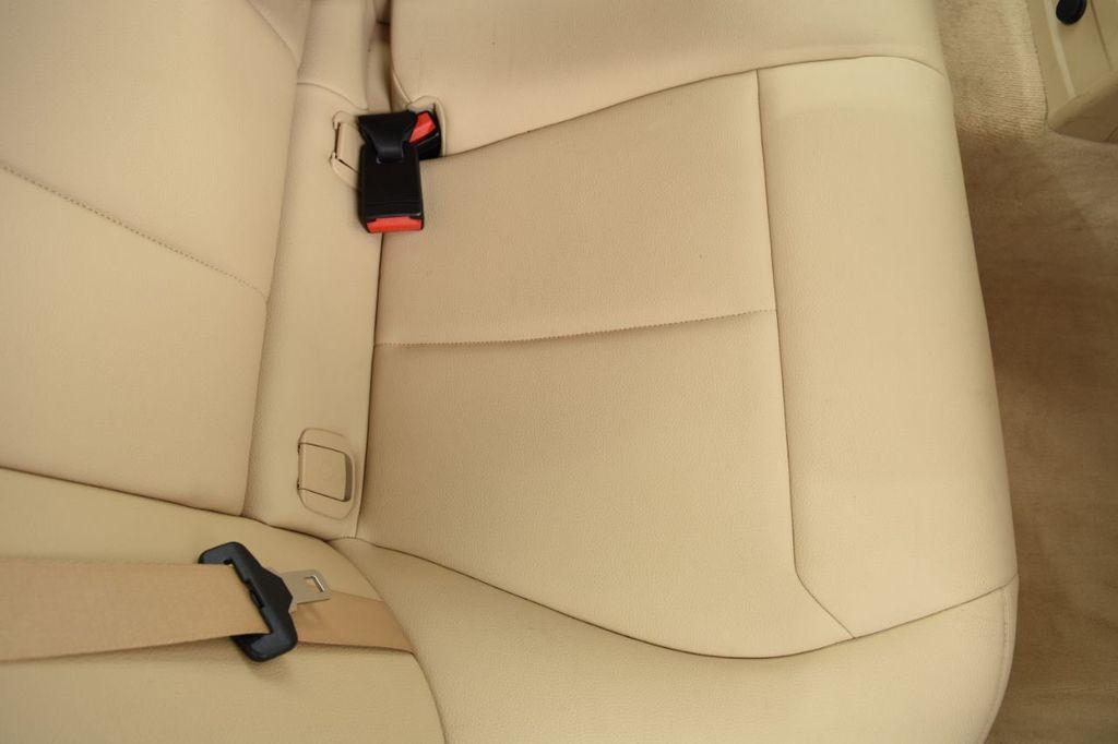 2015 BMW 3 Series 320i xDrive - 18313453 - 53