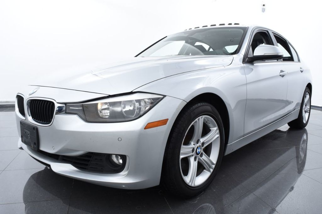 2015 BMW 3 Series 320i xDrive - 18326850 - 0