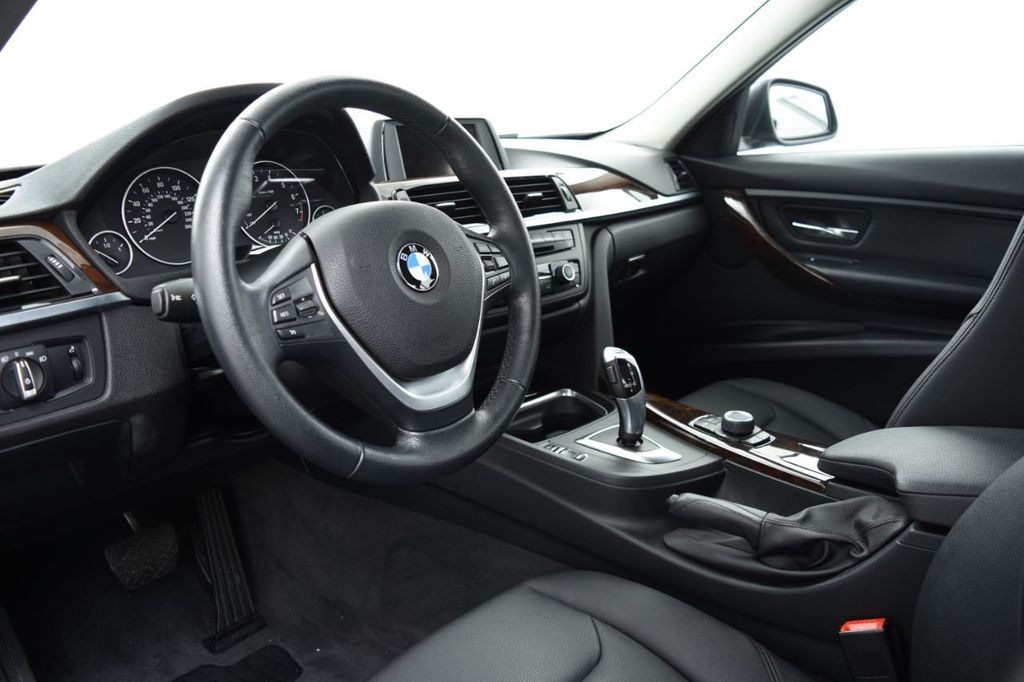 2015 BMW 3 Series 320i xDrive - 18326850 - 21