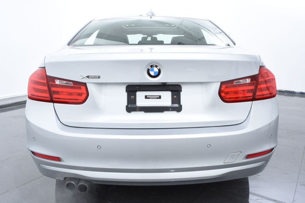 2015 BMW 3 Series 320i xDrive - 18326850 - 3