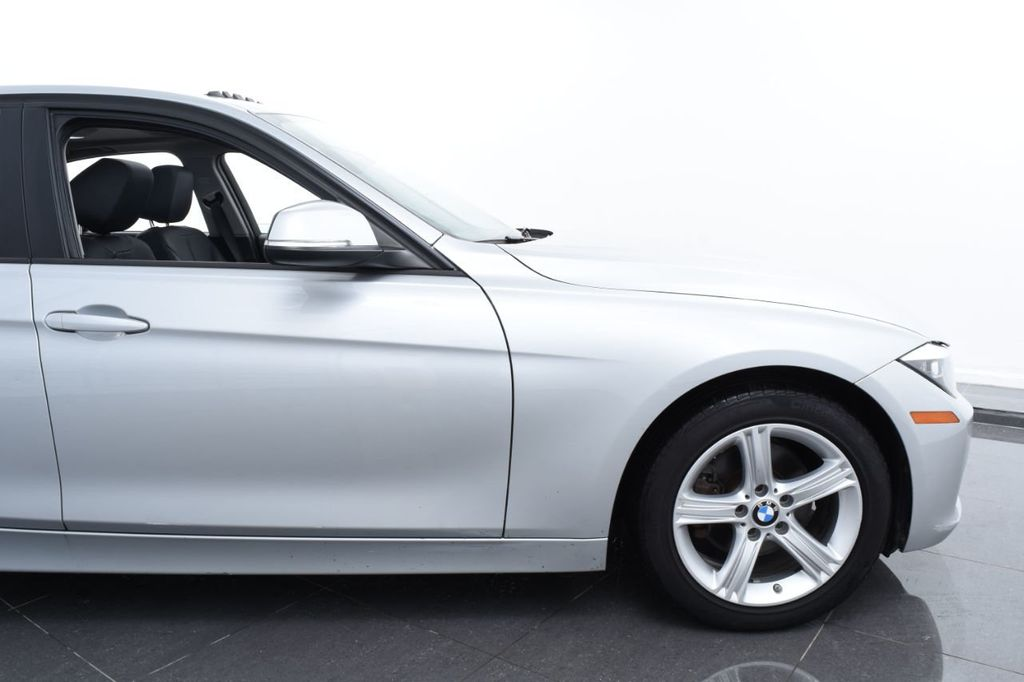 2015 BMW 3 Series 320i xDrive - 18326850 - 5