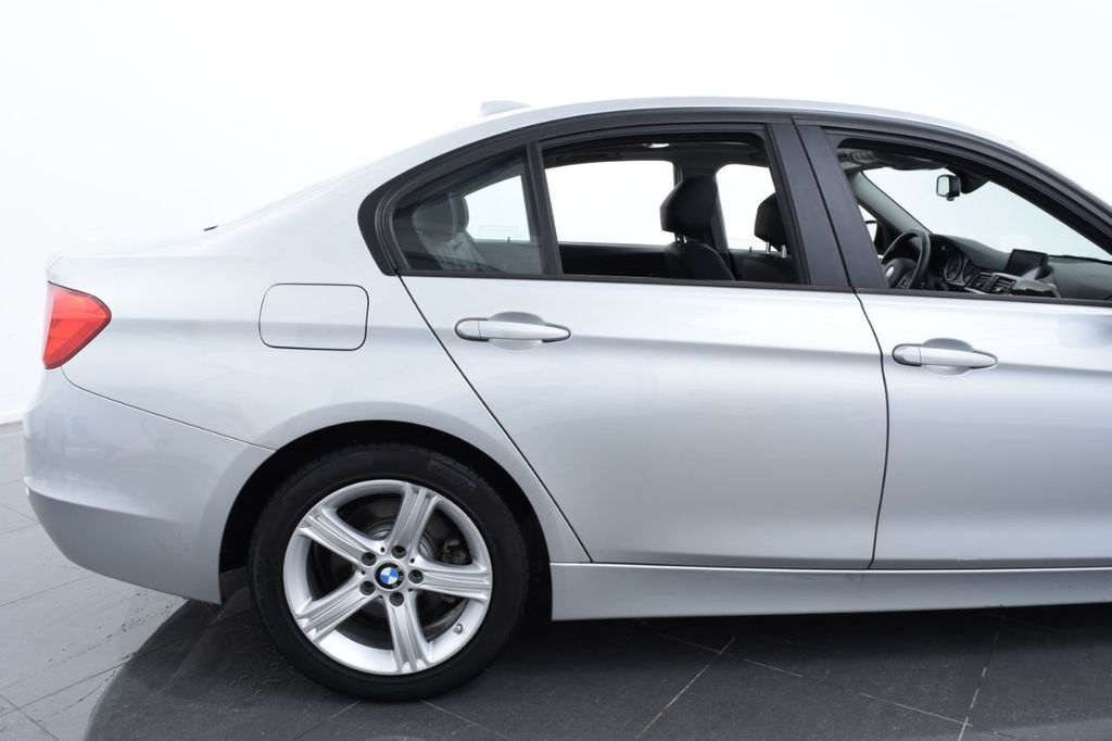 2015 BMW 3 Series 320i xDrive - 18326850 - 7
