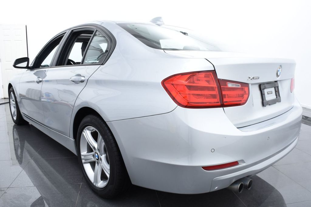 2015 BMW 3 Series 320i xDrive - 18326850 - 8