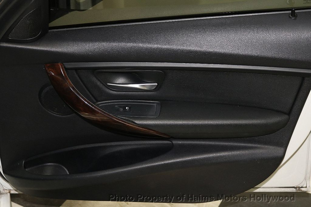 2015 BMW 3 Series 328i - 18365697 - 12