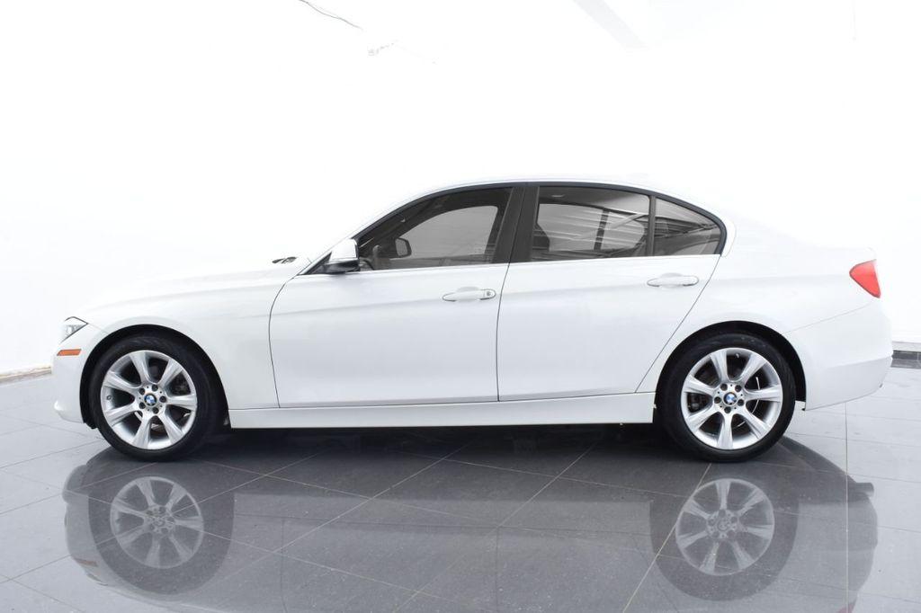 2015 BMW 3 Series 328i xDrive - 18346828 - 9