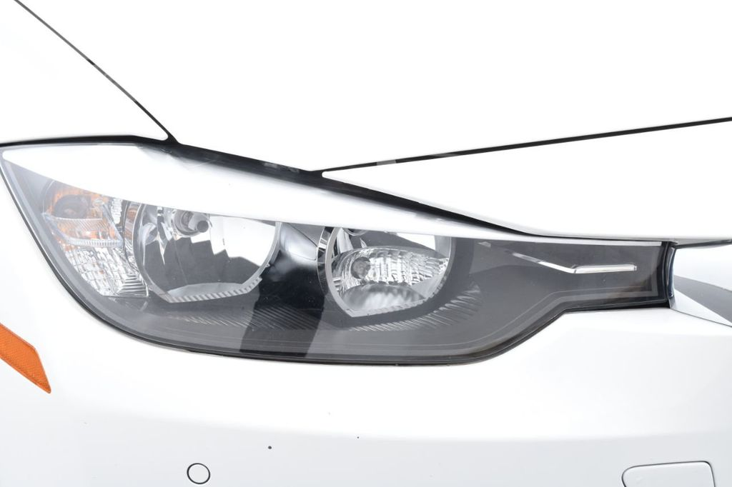 2015 BMW 3 Series 328i xDrive - 18346828 - 11
