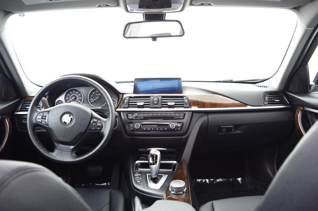 2015 BMW 3 Series 328i xDrive - 18346828 - 26