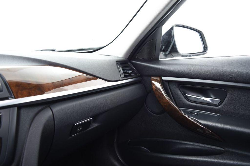 2015 BMW 3 Series 328i xDrive - 18346828 - 33