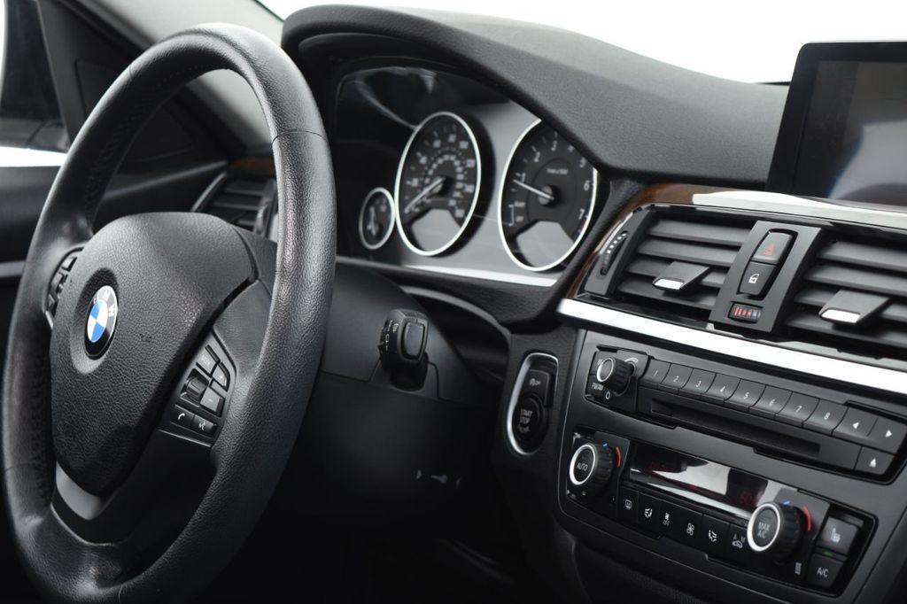 2015 BMW 3 Series 328i xDrive - 18346828 - 34
