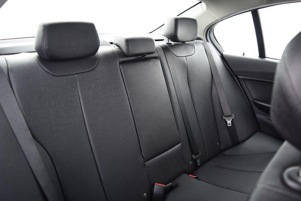 2015 BMW 3 Series 328i xDrive - 18346828 - 39