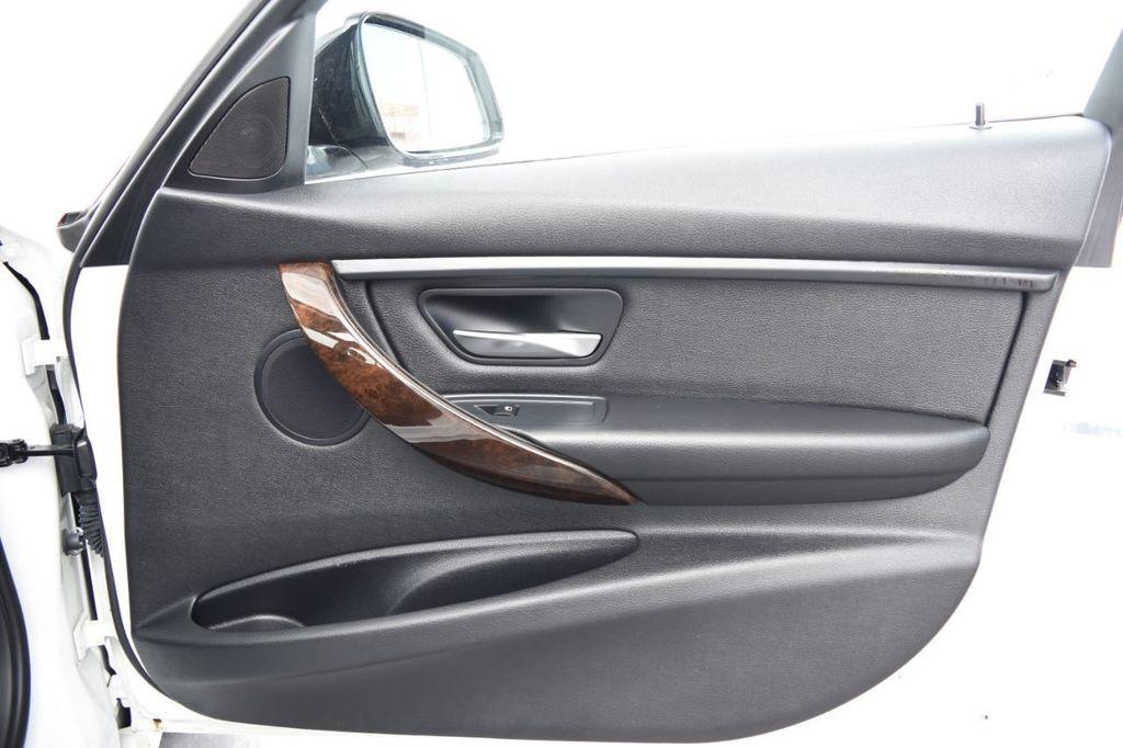 2015 BMW 3 Series 328i xDrive - 18346828 - 47