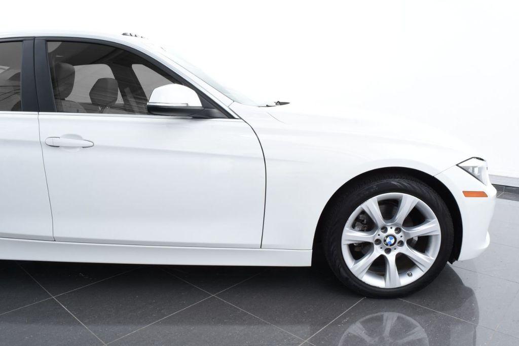 2015 BMW 3 Series 328i xDrive - 18346828 - 4